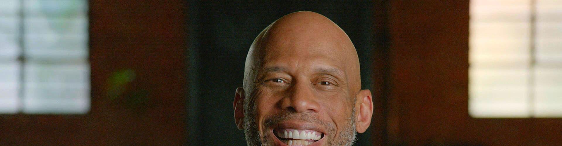 Watch Kareem: Minority Of One Online